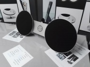 BEOSOUND 8 MUSIC SYSTEM/DOCKING STATION